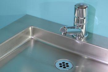 HE105555HL-Edelstahl-Waschtisch-B1600-DasBoot-Ablaufventil