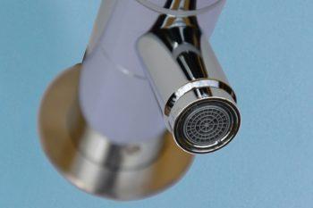 HE160200 Wand-Selbstschluss-Ventil Solid-Justiz mit diebstahlsicherem Perlator-Luftsprudler
