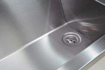 407120 Edelstahl Waschrinne-Geometrik Schweißung
