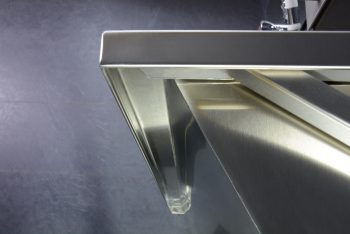 407120 Edelstahl Waschrinne Geometrik Unterkante