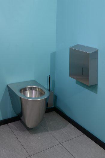 840560-Edelstahl Jumbo-WC-Rollenhalter Serie Funktion im Einsatz