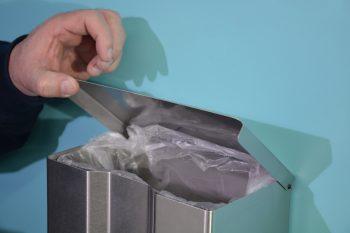 870755 Edelstahl Hygiene-Abfallsammler mit eingelegtem Müllsack